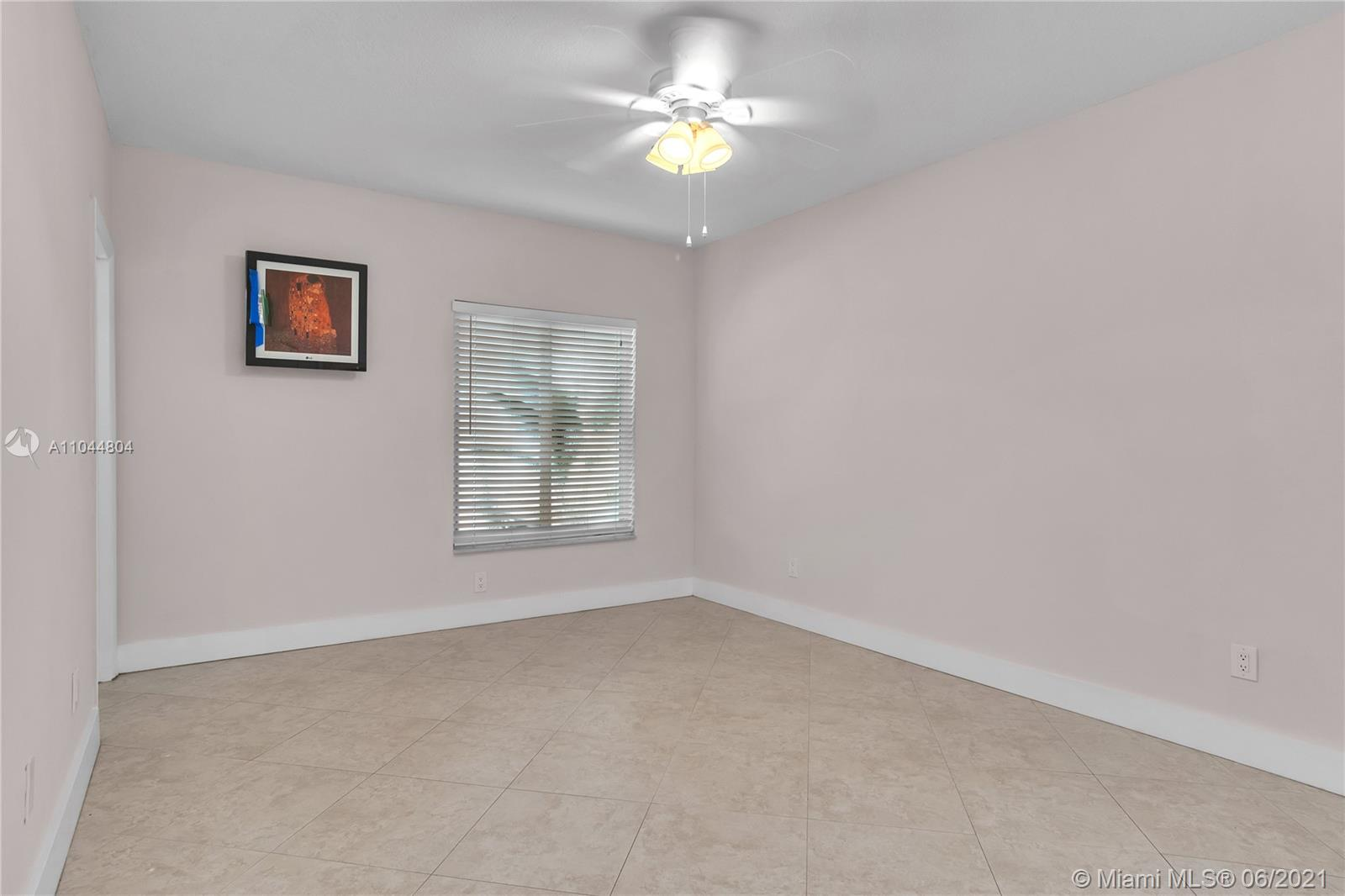 1633 Tyler St, Hollywood, Florida image 28