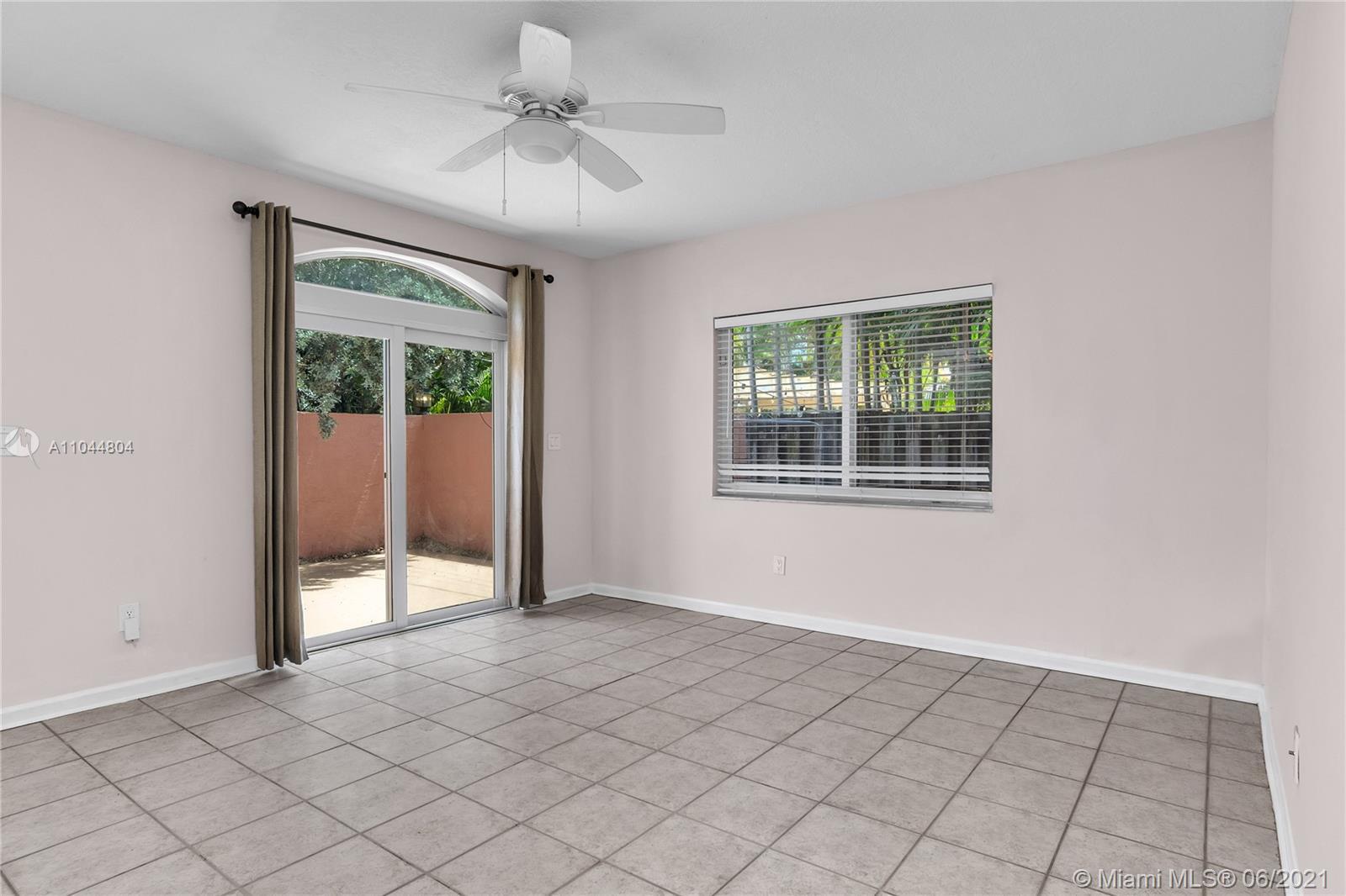 1633 Tyler St, Hollywood, Florida image 23