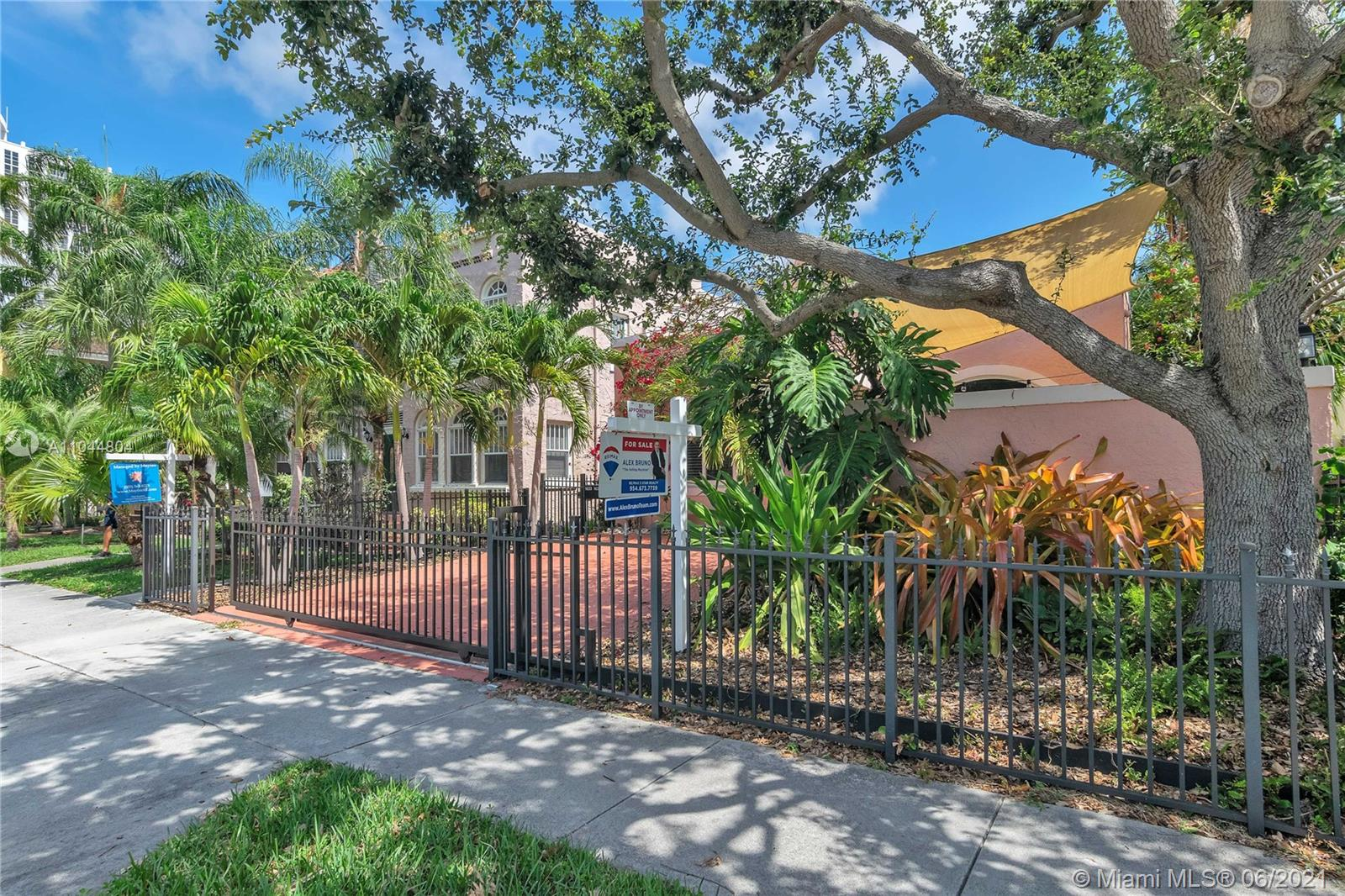 1633 Tyler St, Hollywood, Florida image 20