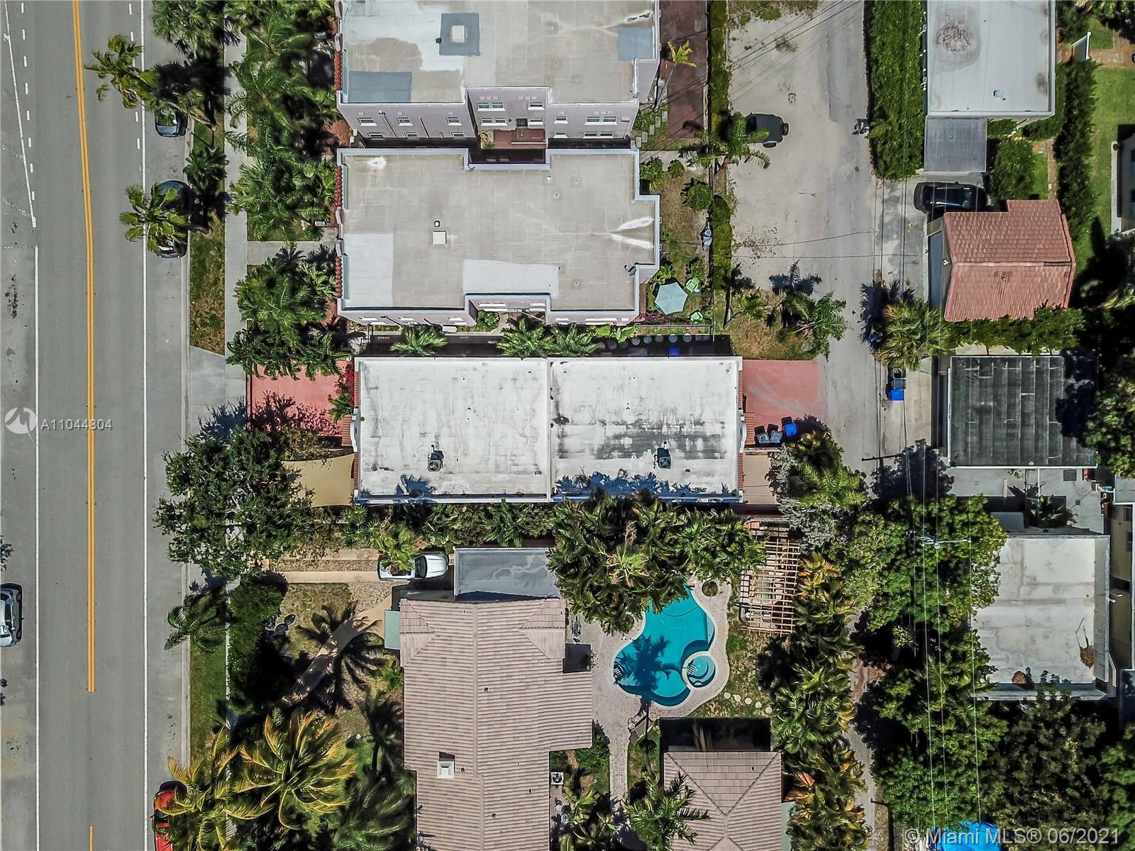 1633 Tyler St, Hollywood, Florida image 5