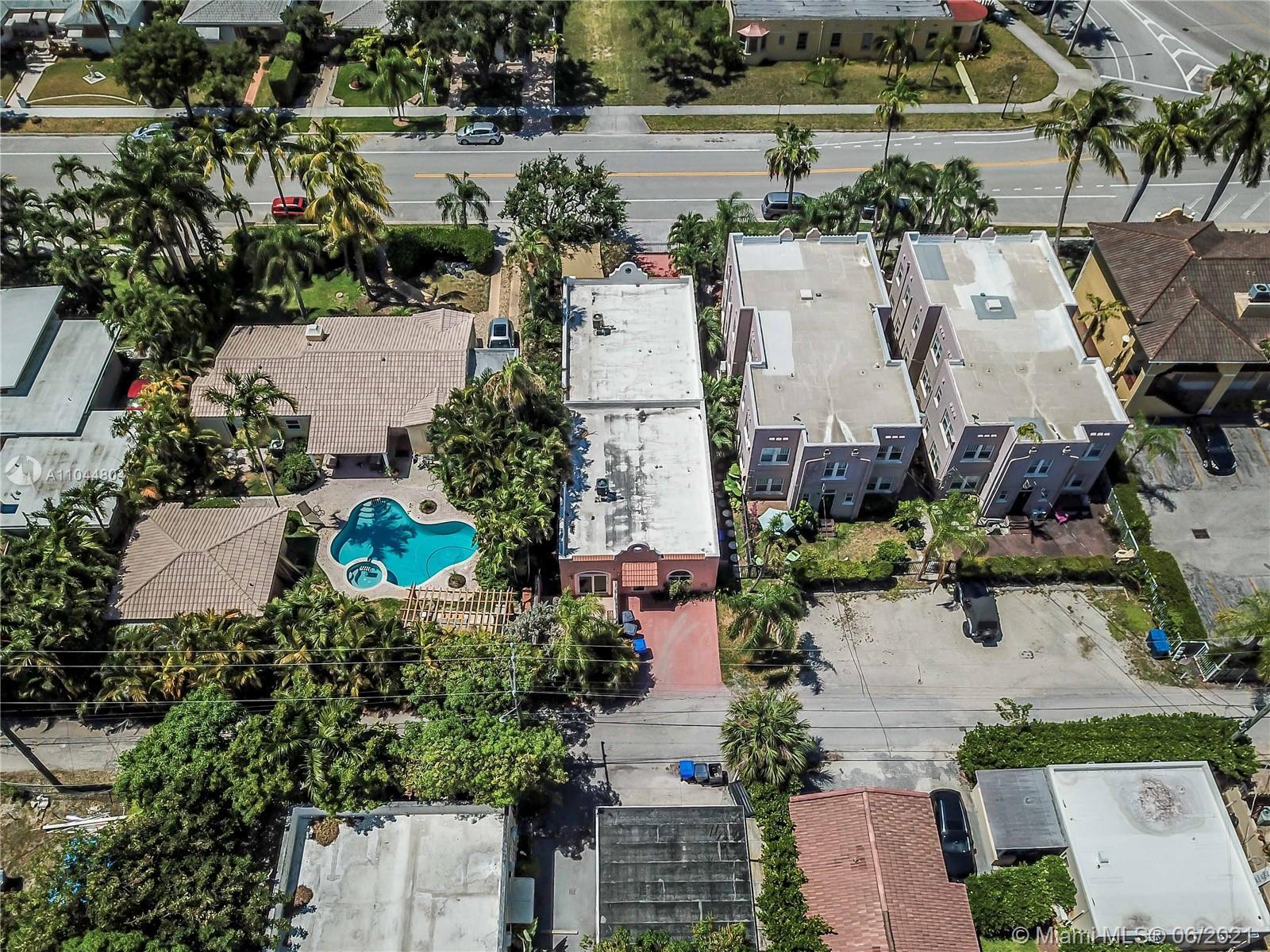 1633 Tyler St, Hollywood, Florida image 4