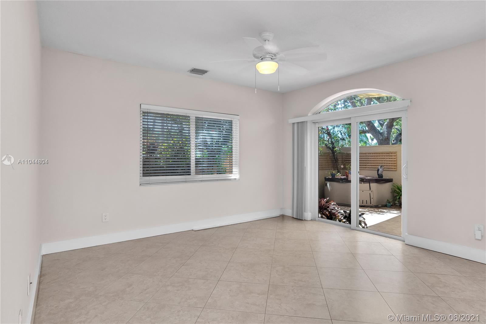1633 Tyler St, Hollywood, Florida image 45