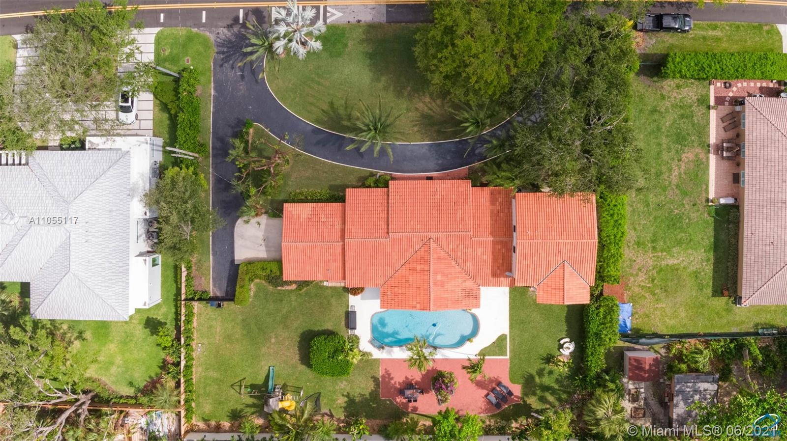 5940 SW 79 St  For Sale A11055117, FL