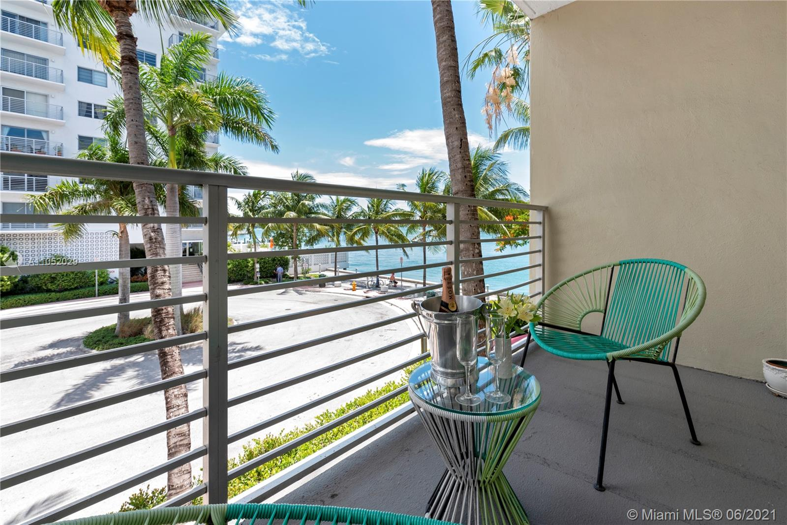 1441  Lincoln Rd #304 For Sale A11052029, FL