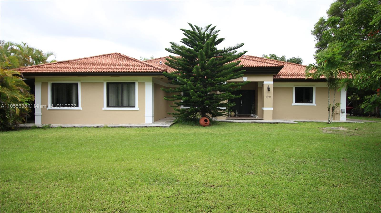 18400 SW 202nd St  For Sale A11055638, FL