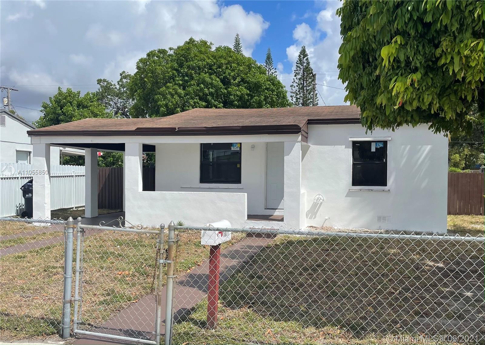 1071  Ali Baba Ave  For Sale A11055850, FL