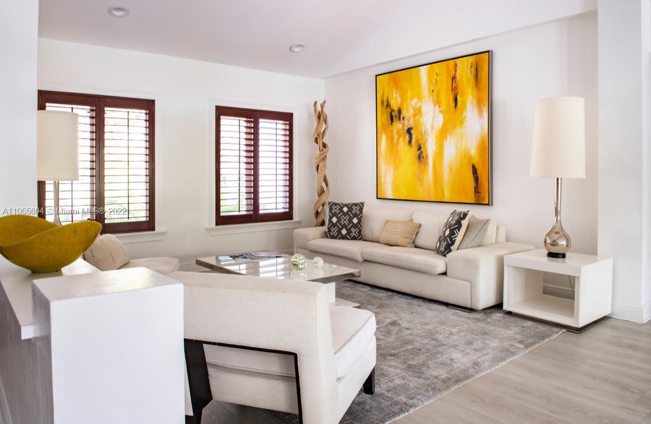 340  Woodcrest Rd  For Sale A11055604, FL