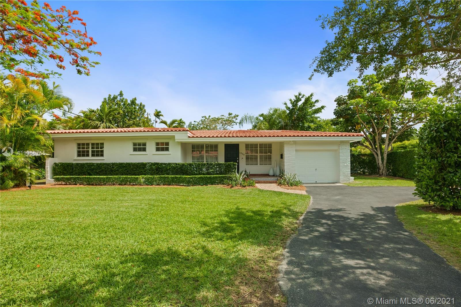 1540  Blue Rd  For Sale A11055755, FL