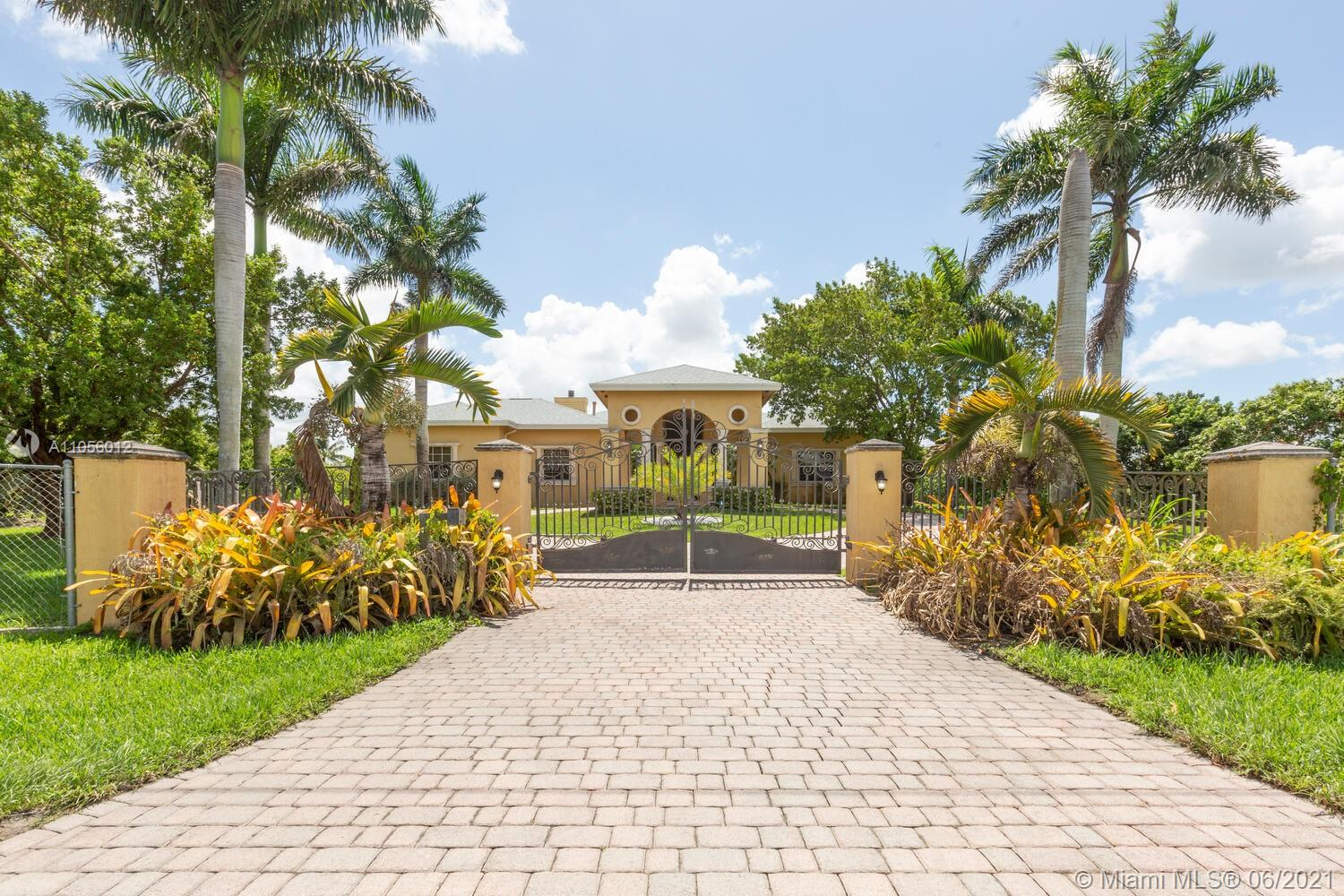 15023 SW 184th Ave  For Sale A11056012, FL