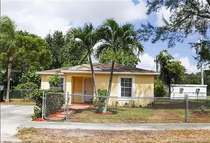 1709 NW 7th Pl  For Sale A11056039, FL