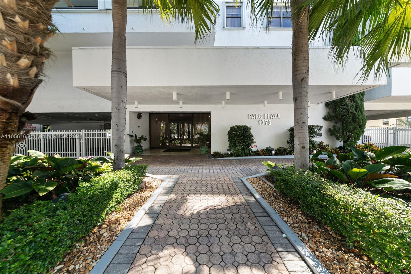 1775  Washington Ave #14D For Sale A11056165, FL