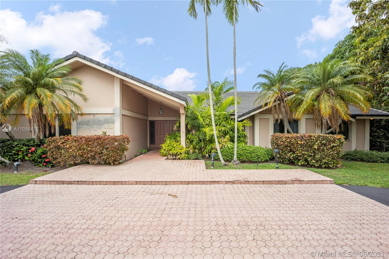 16020 SW 80th Ave  For Sale A11056435, FL