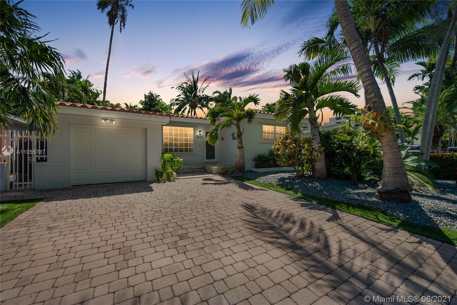 3565 W Glencoe St  For Sale A11055787, FL