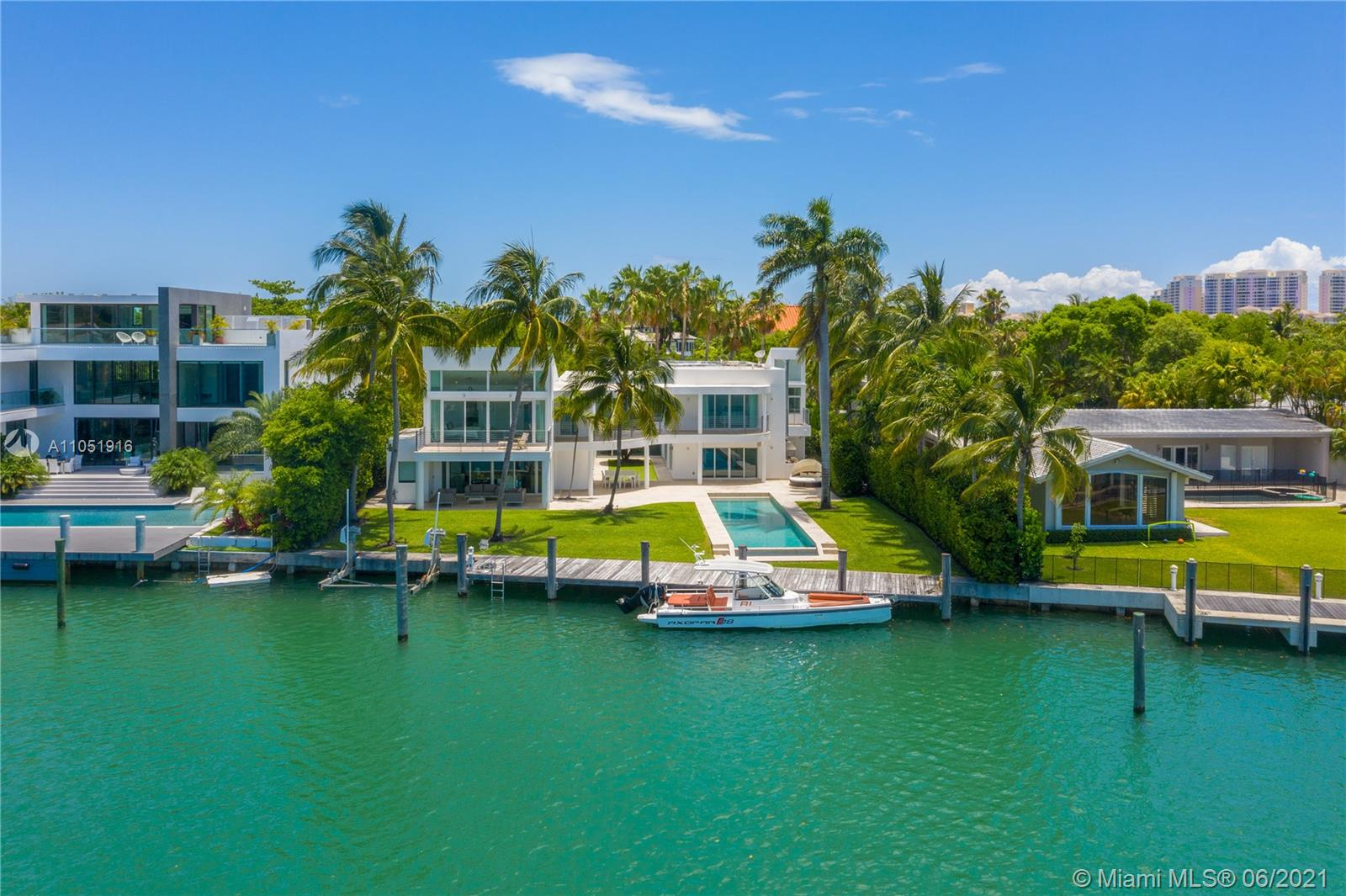 890  HARBOR DRIVE  For Sale A11051916, FL
