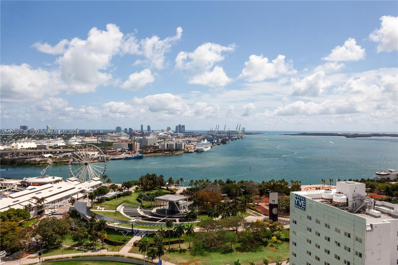 Beautiful 2 bed/ 2bath designer decorated fully furnished and Turnkey, hardly been lived in and like new. Best line w/ spectacular unobstructed Biscayne Bay Water Views in the entire building. Just bring your toothbrush and start enjoying the Florida Lifestyle. Fantastic location! Walk to shopping, restaurants or financial district. All amenities w state-of-the-art gym, 4 pools, Concierge, valet, business center and more....