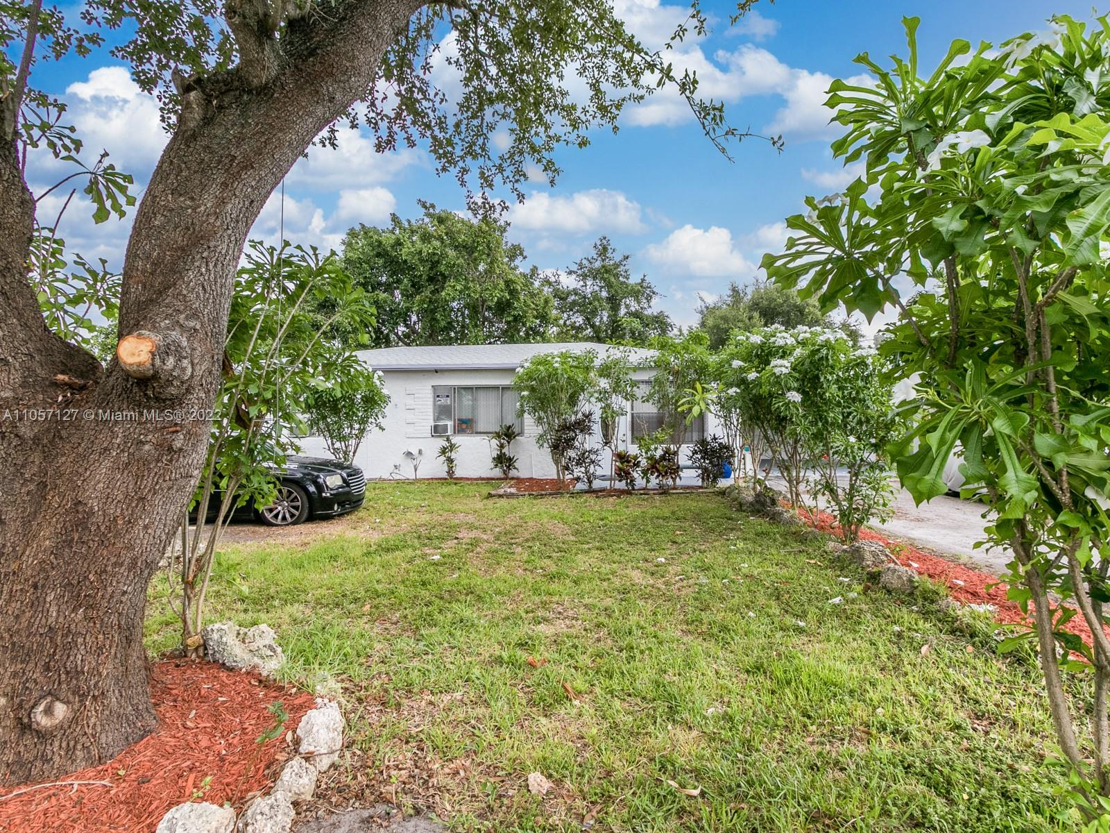 6025  Wiley St  For Sale A11057127, FL