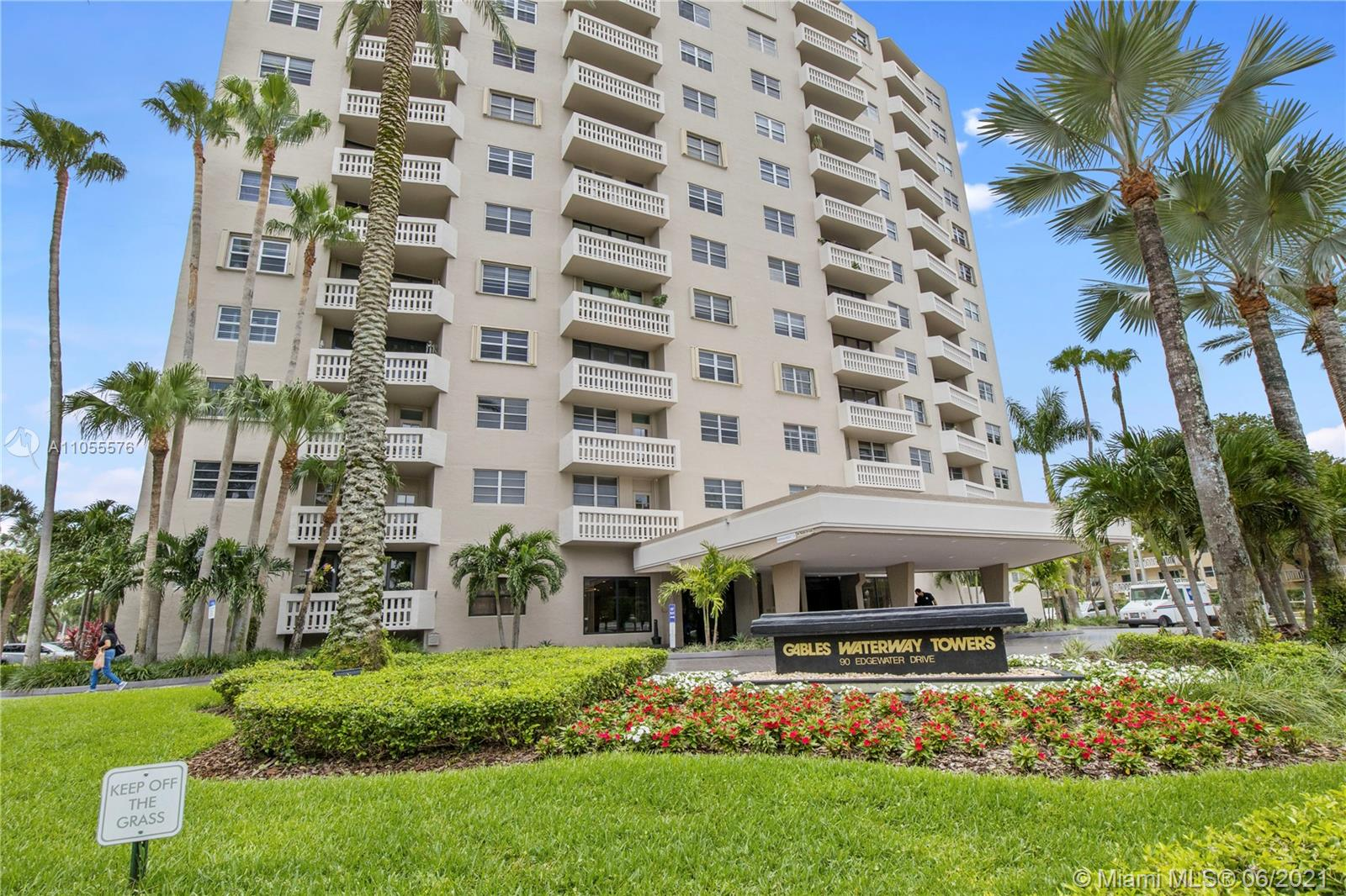 90  Edgewater Dr #818 For Sale A11055576, FL
