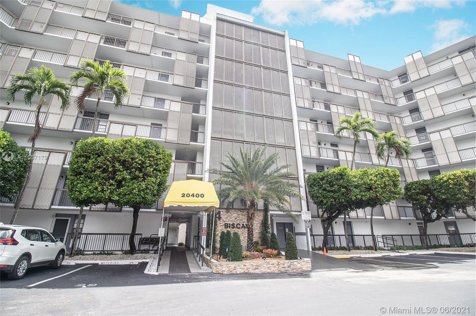 20400 W Country Club Dr #707 For Sale A11057179, FL