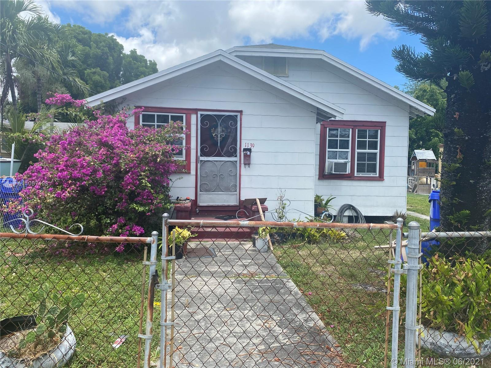 1139 NW 38th St  For Sale A11057198, FL