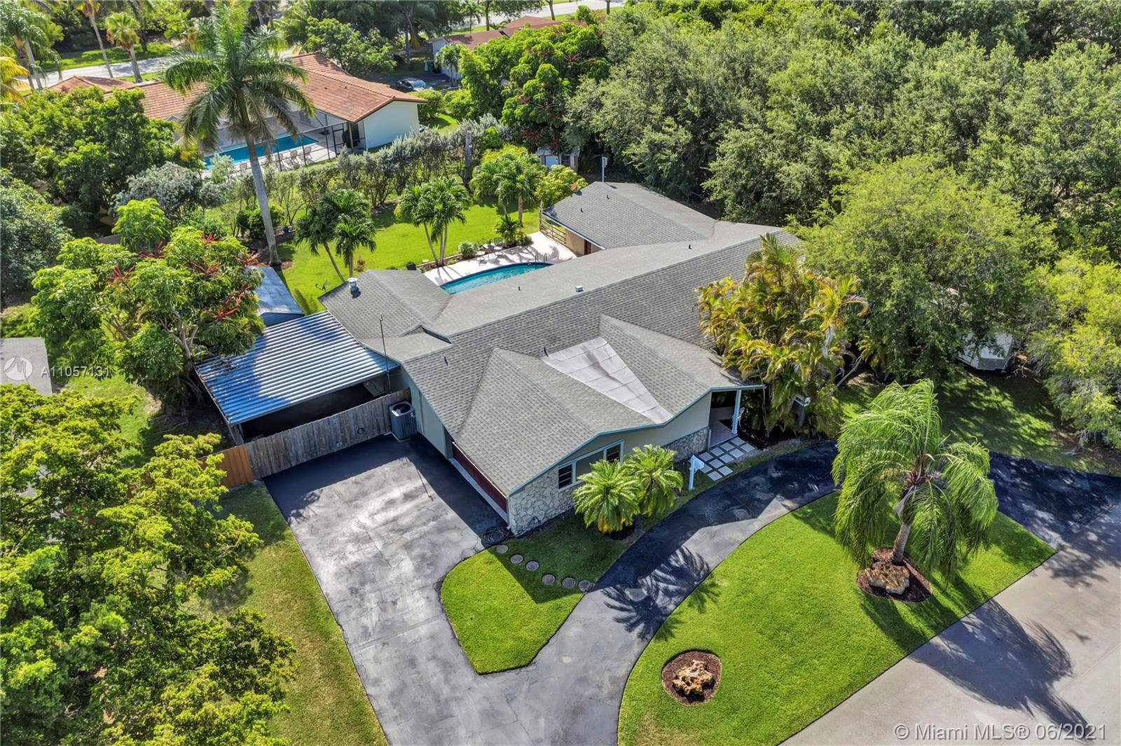 17637 SW 86th Ave  For Sale A11057131, FL