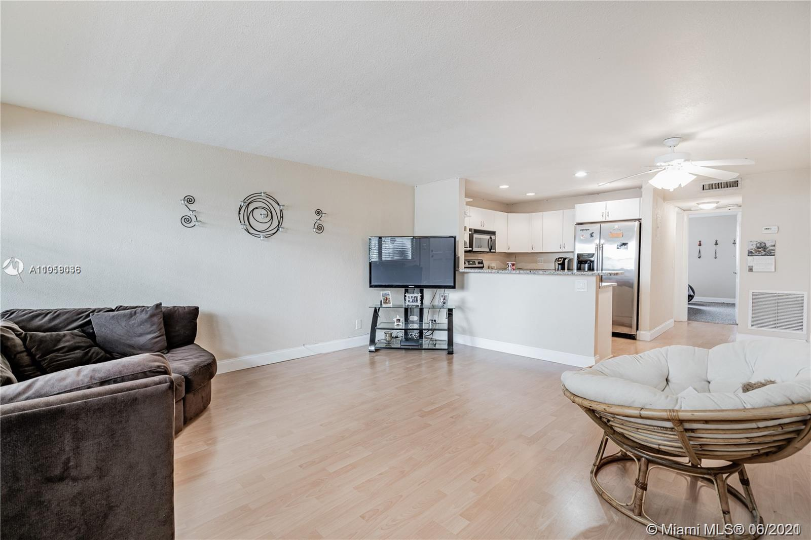 Spacious 1/1 in Ft Lauderdale close to the beach and restaurants