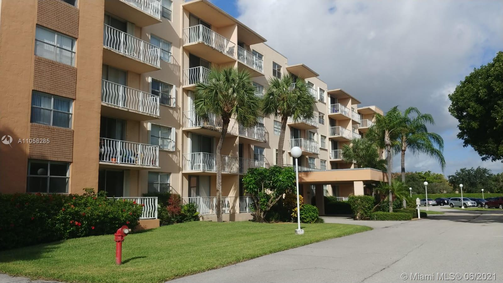 500  Executive Center Dr #1N For Sale A11058285, FL