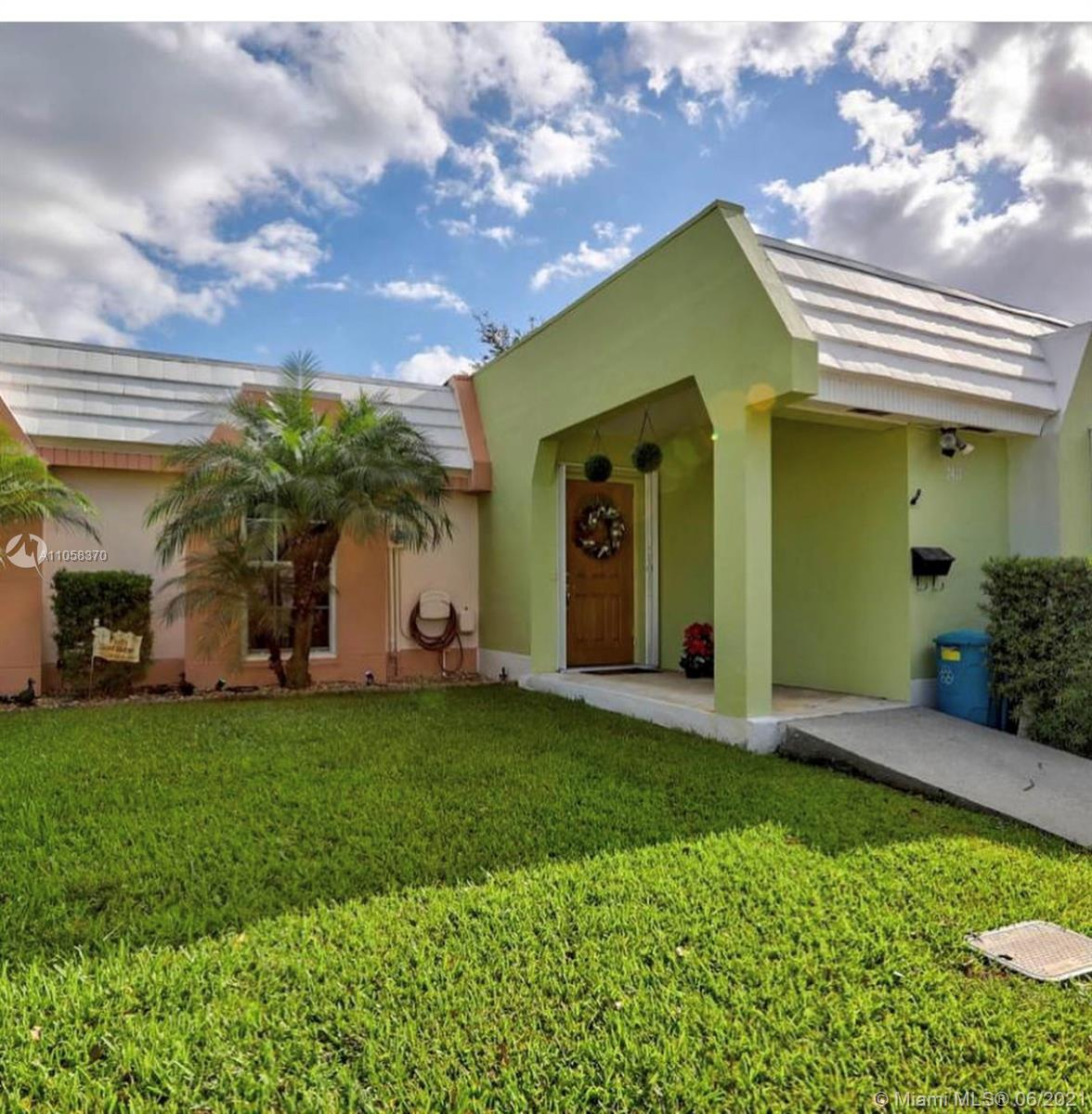 7411  Twin Sabal Dr  For Sale A11058370, FL