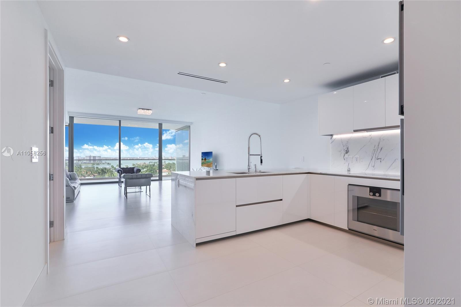 10201  Collins Ave #904 For Sale A11058256, FL