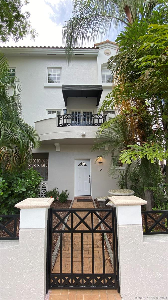 261  Navarre Ave #A-4 For Sale A11058480, FL