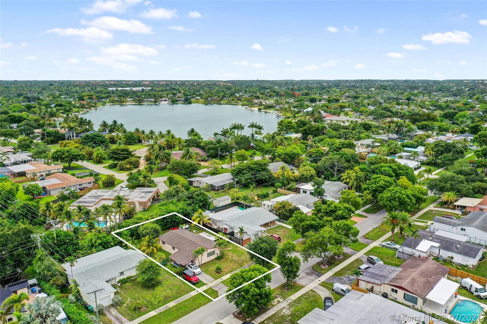 19441 SW Whispering Pines Rd  For Sale A11058451, FL