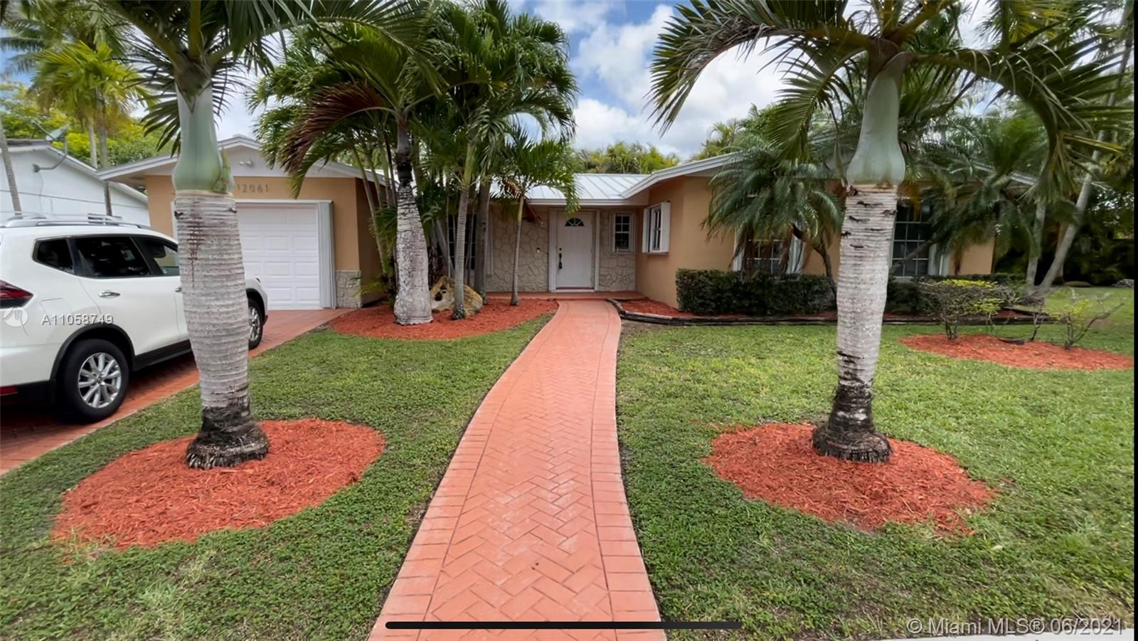 12061 SW 116th St  For Sale A11058749, FL