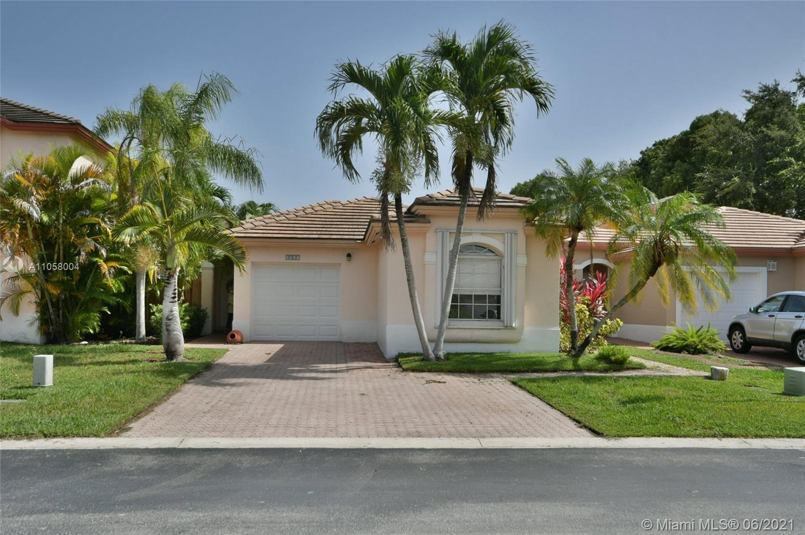 9917 NW 31st St  For Sale A11058004, FL
