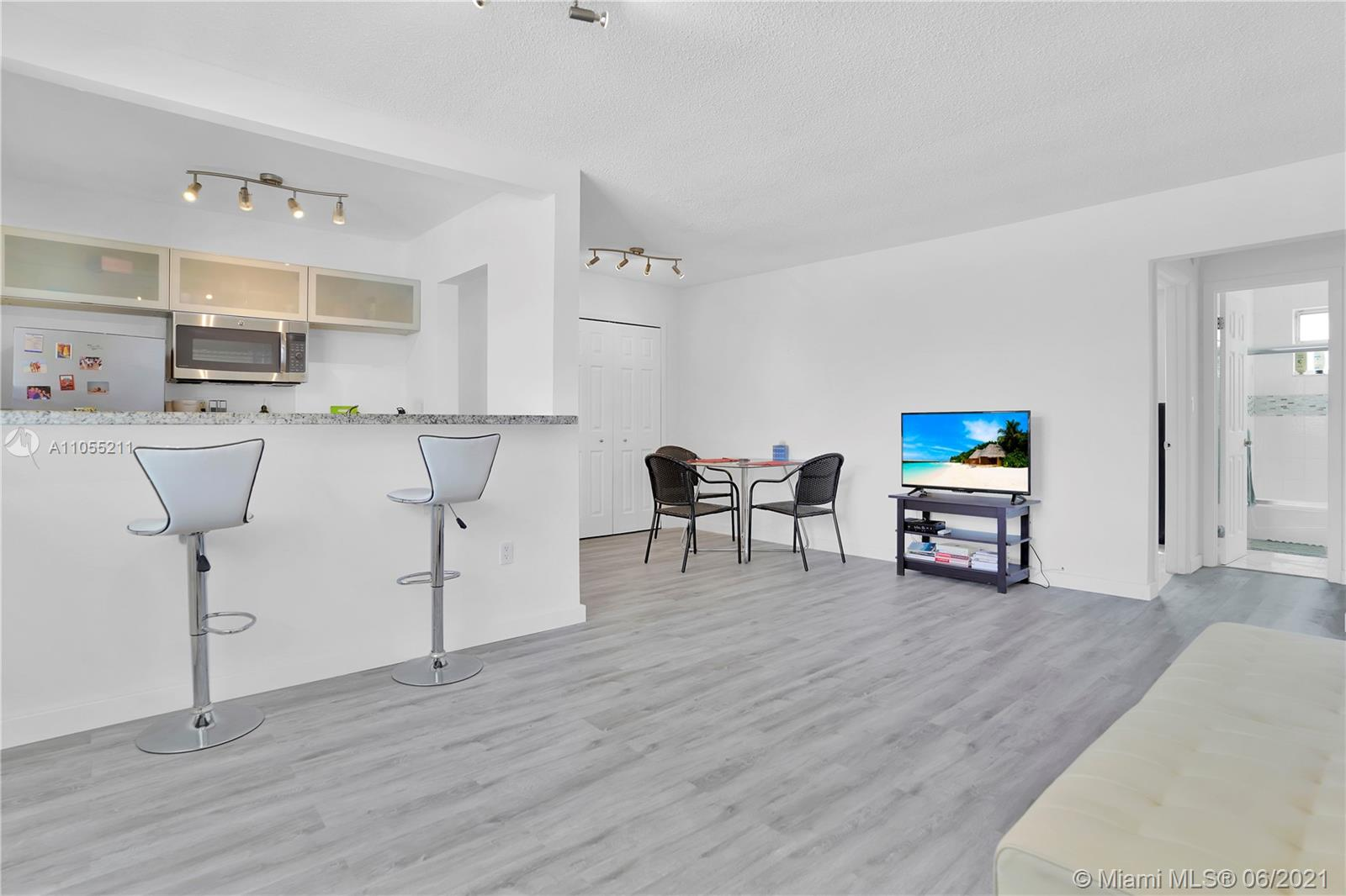 734  Meridian Ave #4 For Sale A11055211, FL