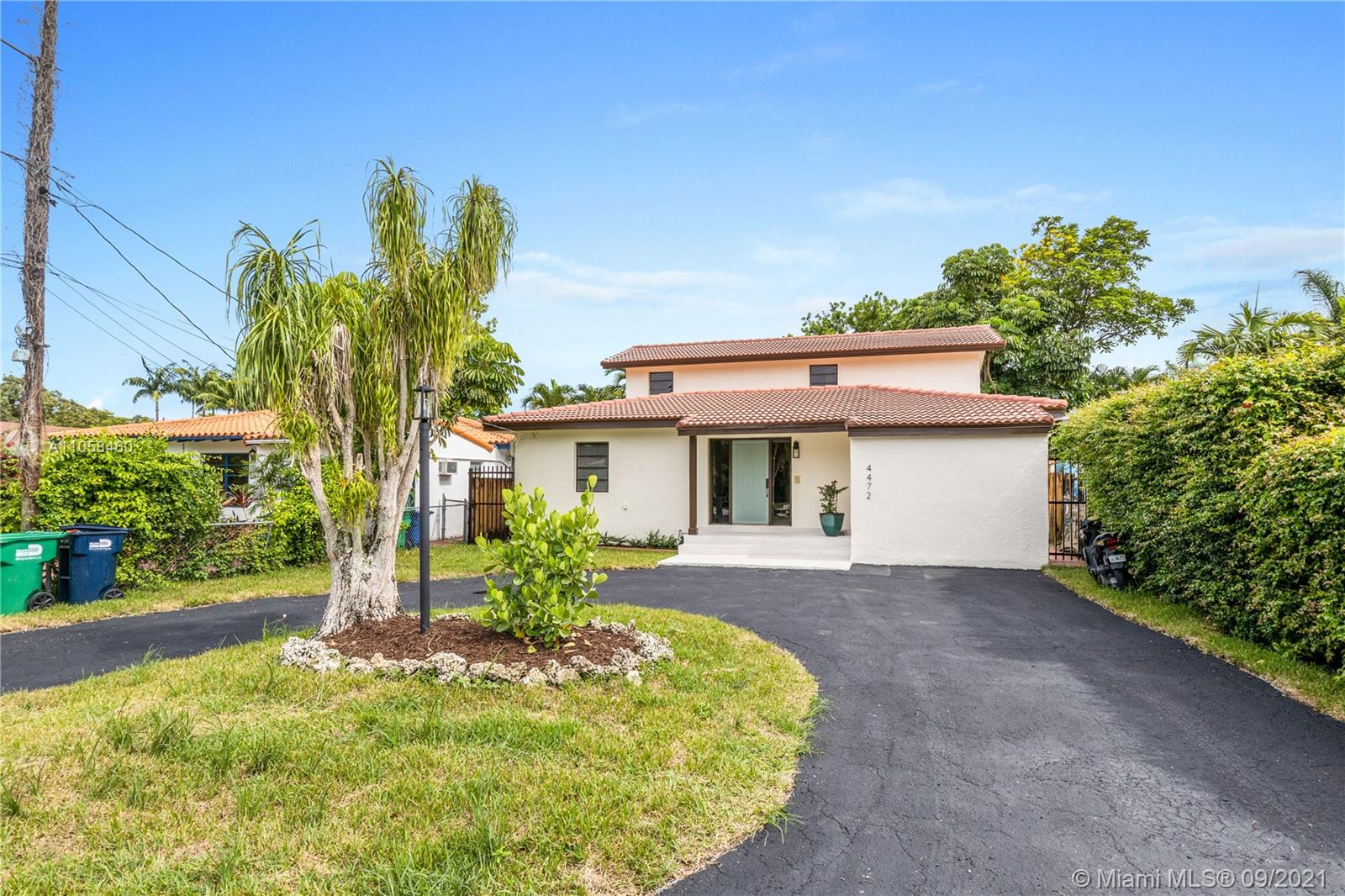 4472 SW 10th St  For Sale A11058460, FL