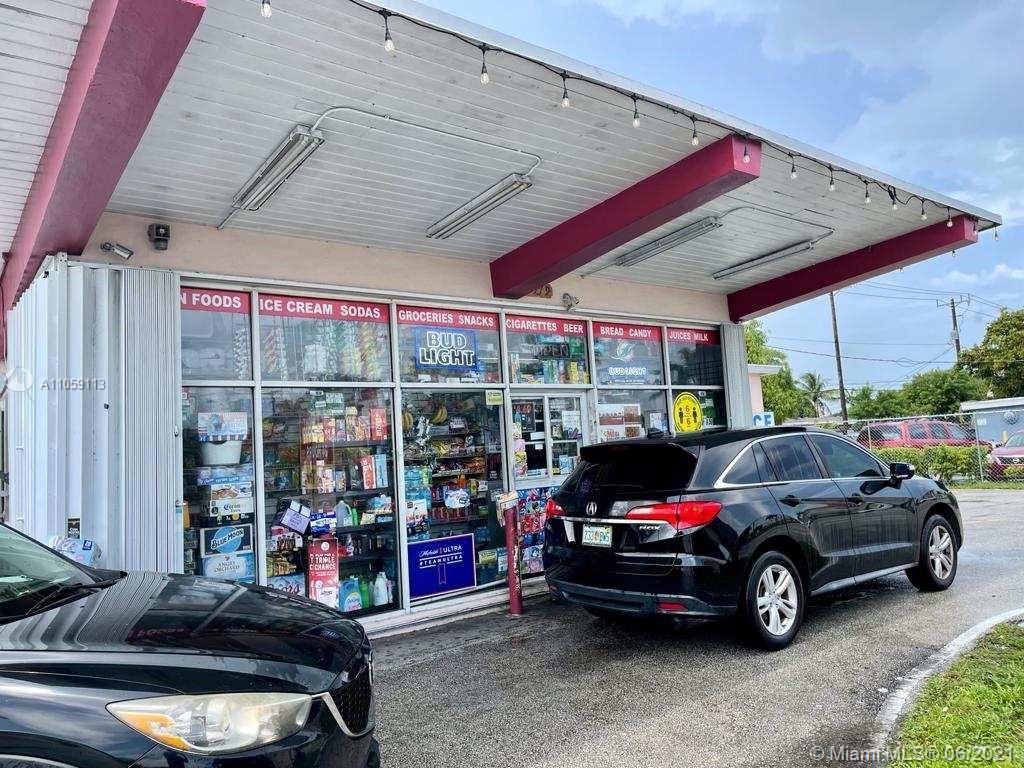 6579  Pembroke Rd  For Sale A11059113, FL
