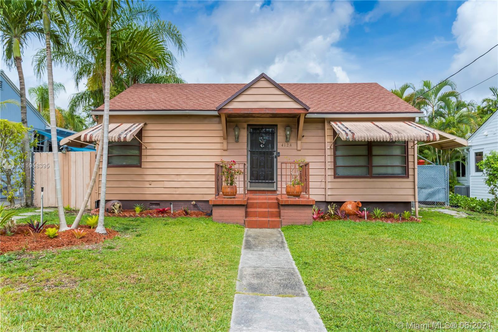 4124 SW 62nd Ave  For Sale A11058395, FL