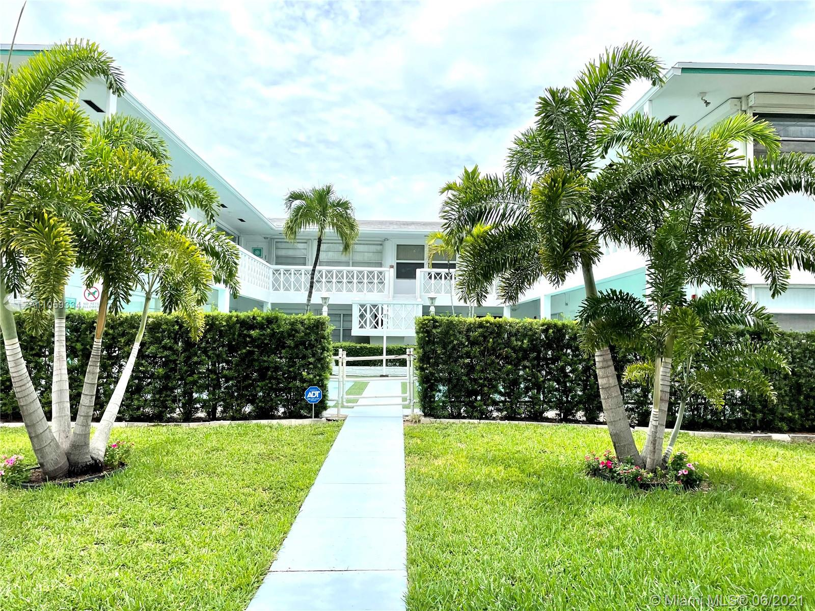 1005 S 17th Ave #12 For Sale A11059334, FL