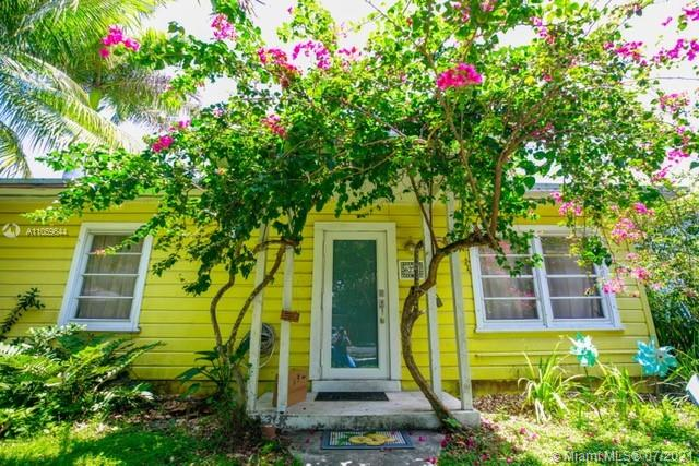 6272 SW 43rd St  For Sale A11059644, FL