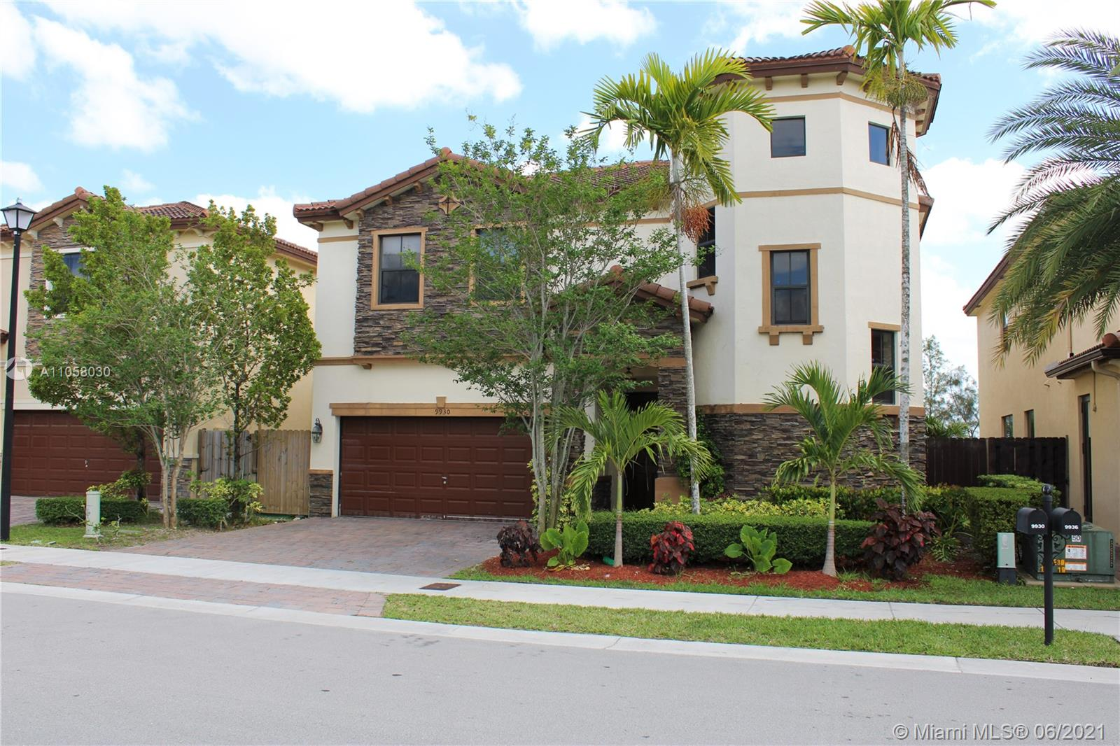 9930 NW 86th Ter  For Sale A11058030, FL