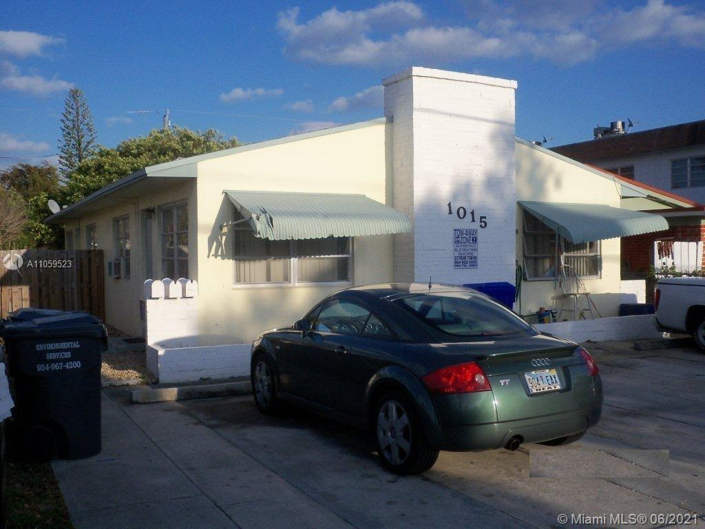 1015 N 19th Ave  For Sale A11059523, FL