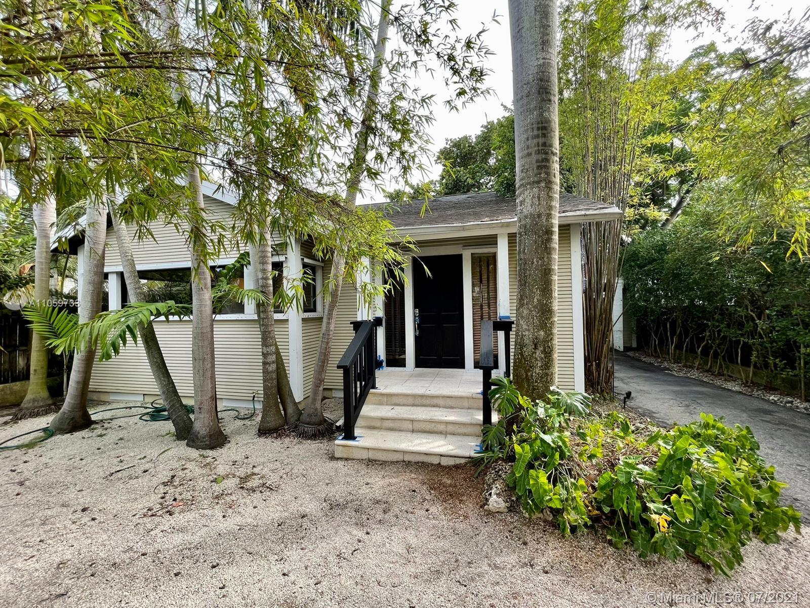 3026  Aviation Ave  For Sale A11059733, FL