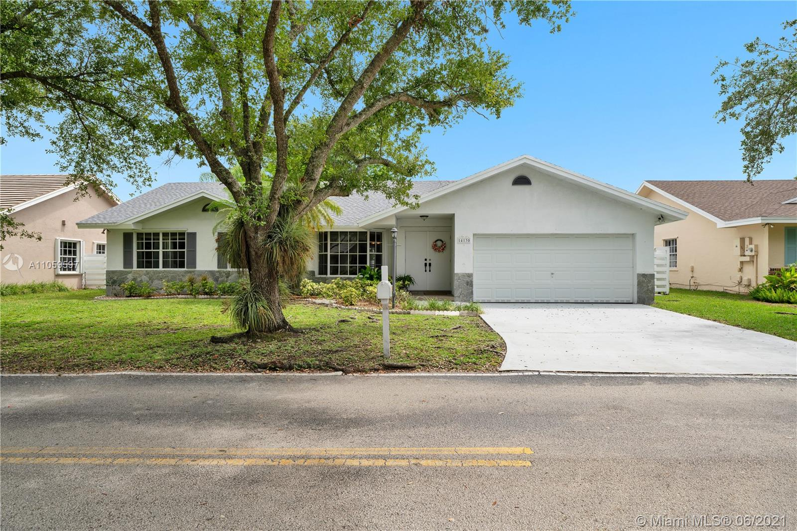 14130 SW 145th Ter  For Sale A11059597, FL