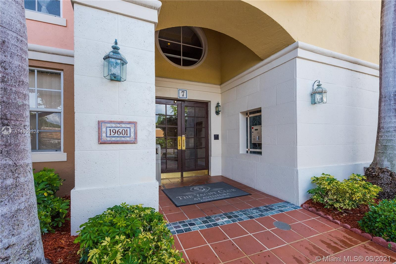 19601 E Country Club Dr #7104 For Sale A11059824, FL