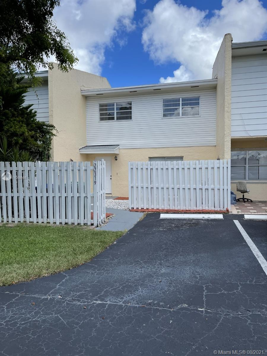 22319 SW 103rd Ave  For Sale A11059986, FL