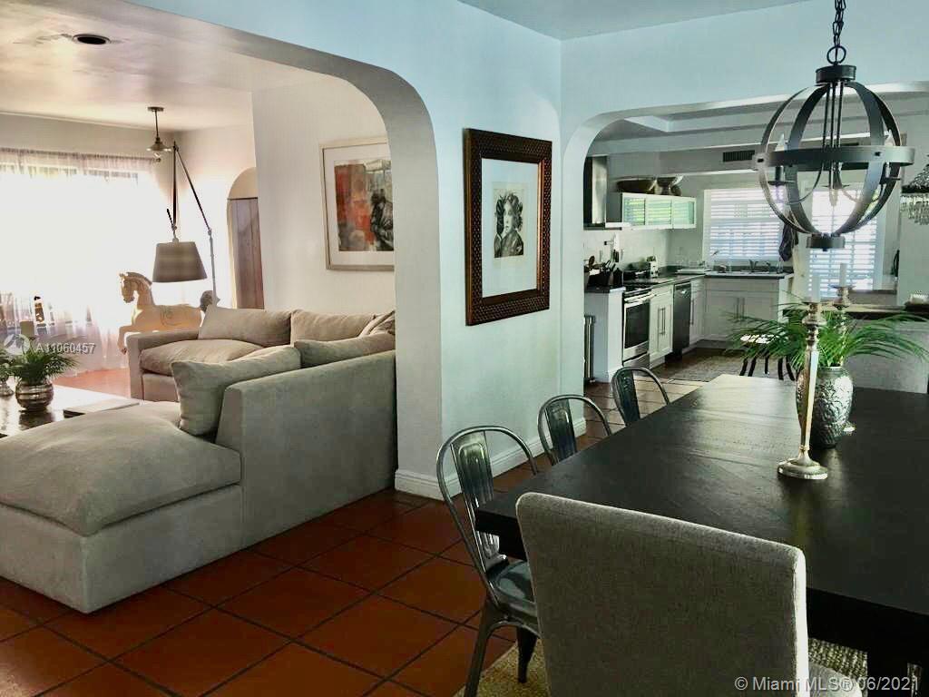 545  Warren Ln  For Sale A11060457, FL