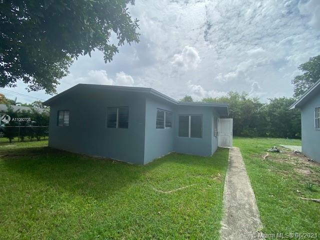 621 SW 12th Ave  For Sale A11060708, FL