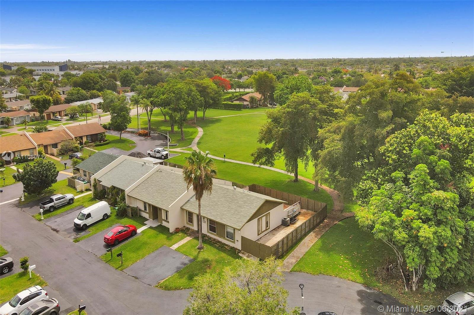 10663 SW 123rd Ct  For Sale A11060712, FL
