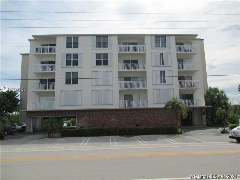 9270 W Bay Harbor Dr #5D For Sale A11060773, FL