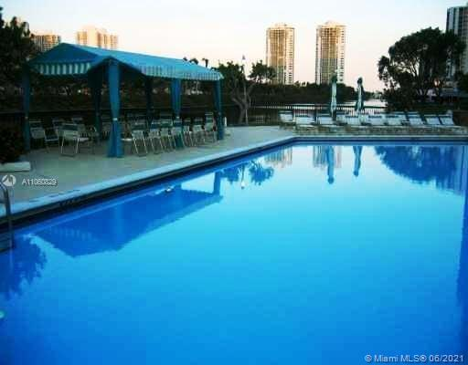 3401 N Country Club Dr #819 For Sale A11060829, FL