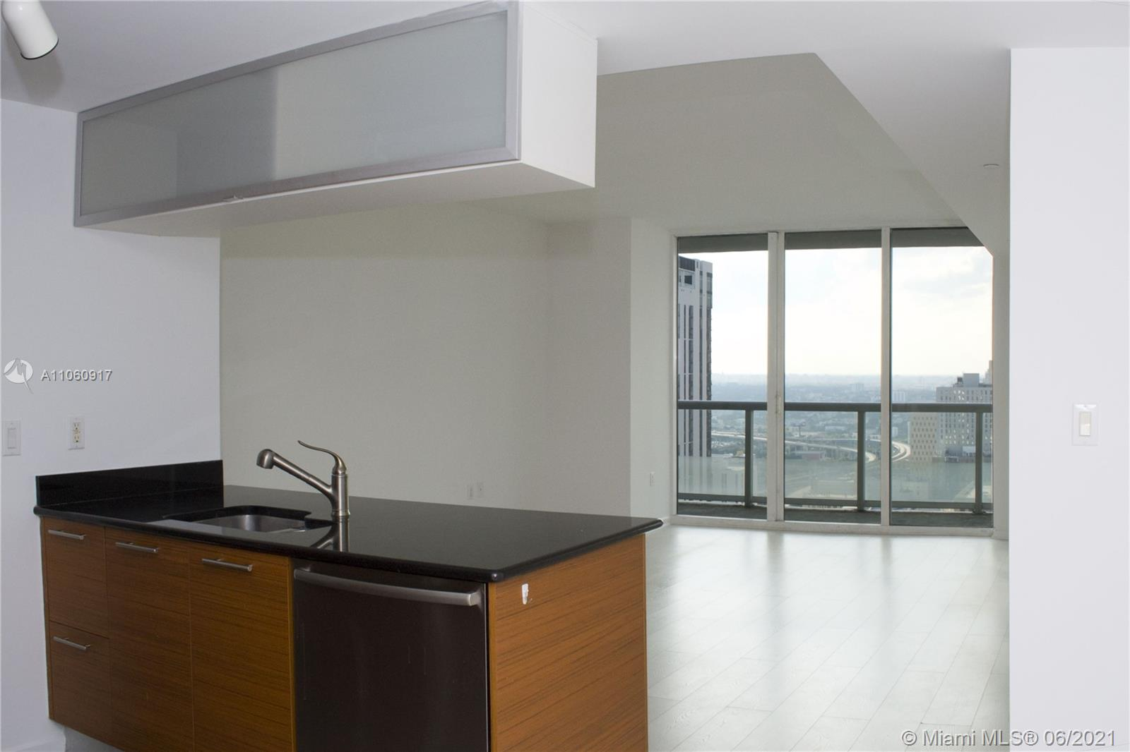 Beautiful 1 Bedroom plus Den available immediately for Long Term Lease at 50 Biscayne.  Panoramic Views from the 34th Floor. 50 Biscayne is full Service, with Gym, Pools, Spa, 24/7 Security and Valet. 1 Parking Space included as well as basic Cable and Internet. Call Christina for Access and Information.